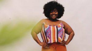 Para não passar calor: veja dicas de vestidos, blusas e macacões com alcinhas