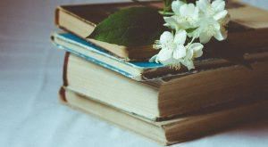Dicas de livros para questionar os padrões de beleza e elevar sua autoestima